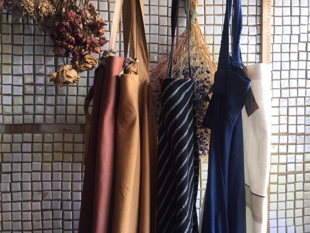 ETERNAL apron : stock now
