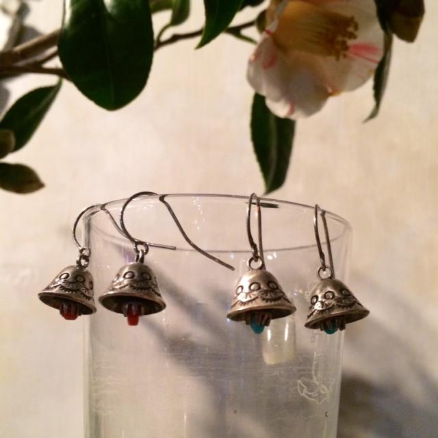 KAPITAL:silver bell pierced